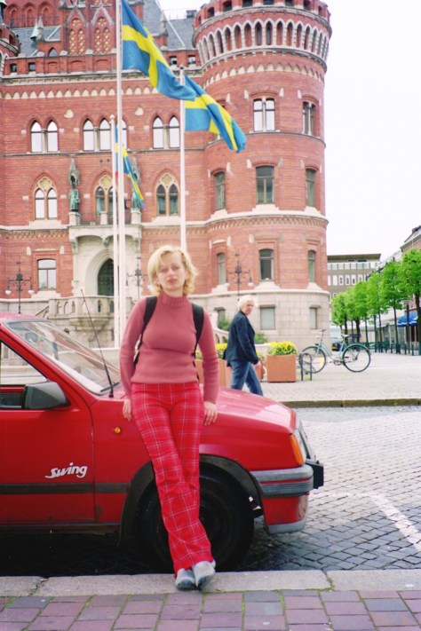 flag & car